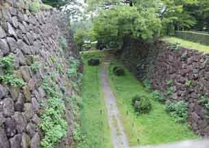 極楽橋付近の堀跡5856.JPG