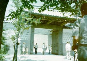 石川門高麗門.jpg